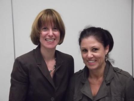 Die Fraktionsvorsitzende Heike Hofamnn (links) und die Geschäftfsführerin Sabine Wohlleben