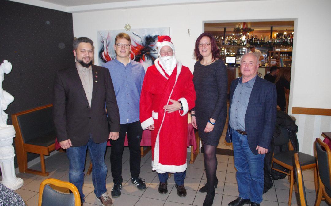 Traditionelle Weihnachtsfeier mit hohem Besuch
